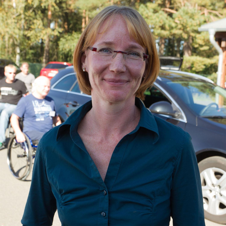 Katja Hofmann beim Fahrsicherheitstraining für mobilitätseingeschränkte Unfallverletzte