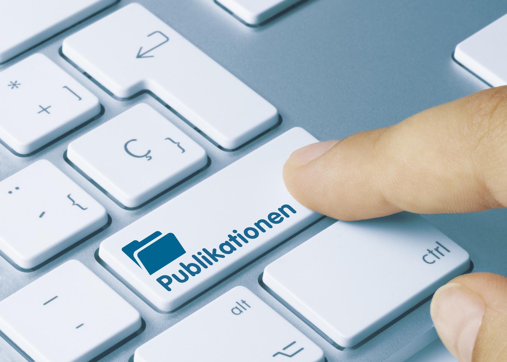 Tastatur mit Publikationen